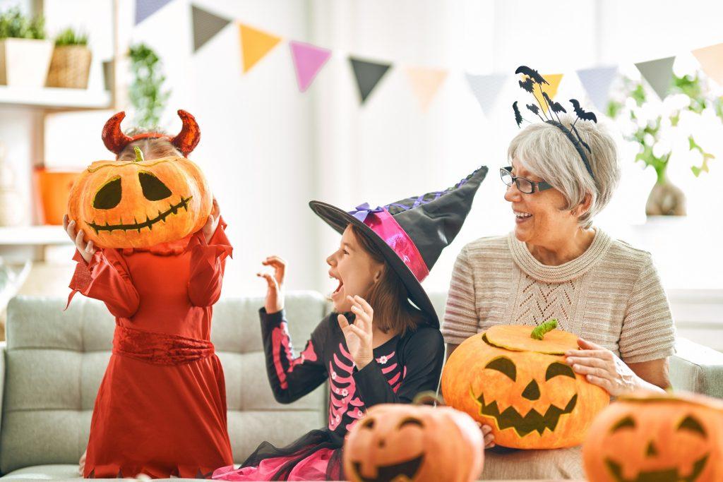 halloween-children-grandma