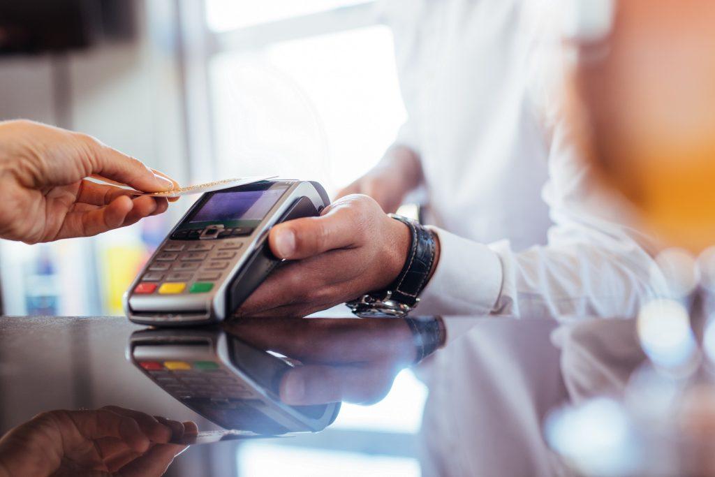 плащане на ПОС терминал